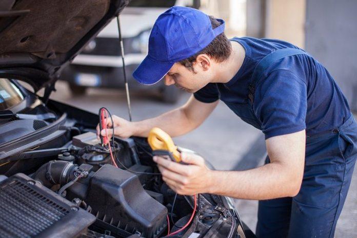 car mechanic Epping
